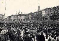 Sfilata della liberazione in piazza Vittorio