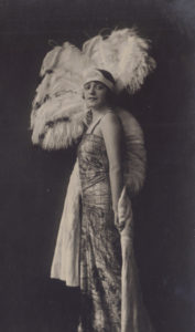 Isa Bluette in costume di scena