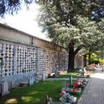 Vista laterale cellette cimitero Sassi