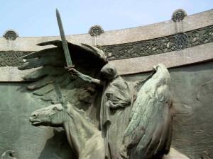 scultura  di D.Calandra al Monumentale
